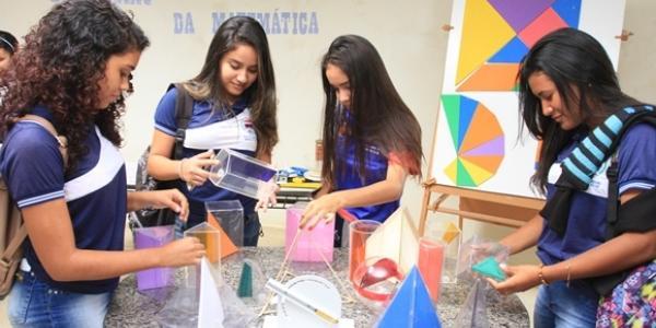 Semana da matemática trazendo atividades práticas